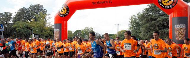 La marea naranja de 5.000 Beer Runners tomó el Hipódromo de Madrid por un día